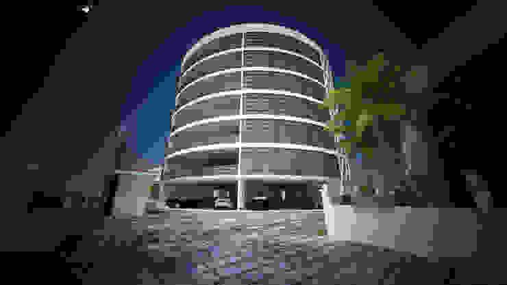 Laurel Architecture Modern houses by Gurooji Designs Modern