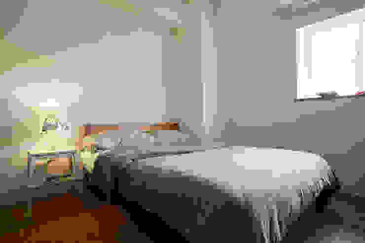 簡潔的日式風格清爽舒適 根據 弘悅國際室內裝修有限公司 現代風 實木 Multicolored