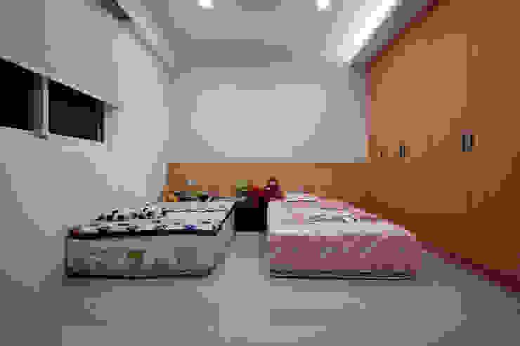 Nursery/kid's room by 弘悅國際室內裝修有限公司,