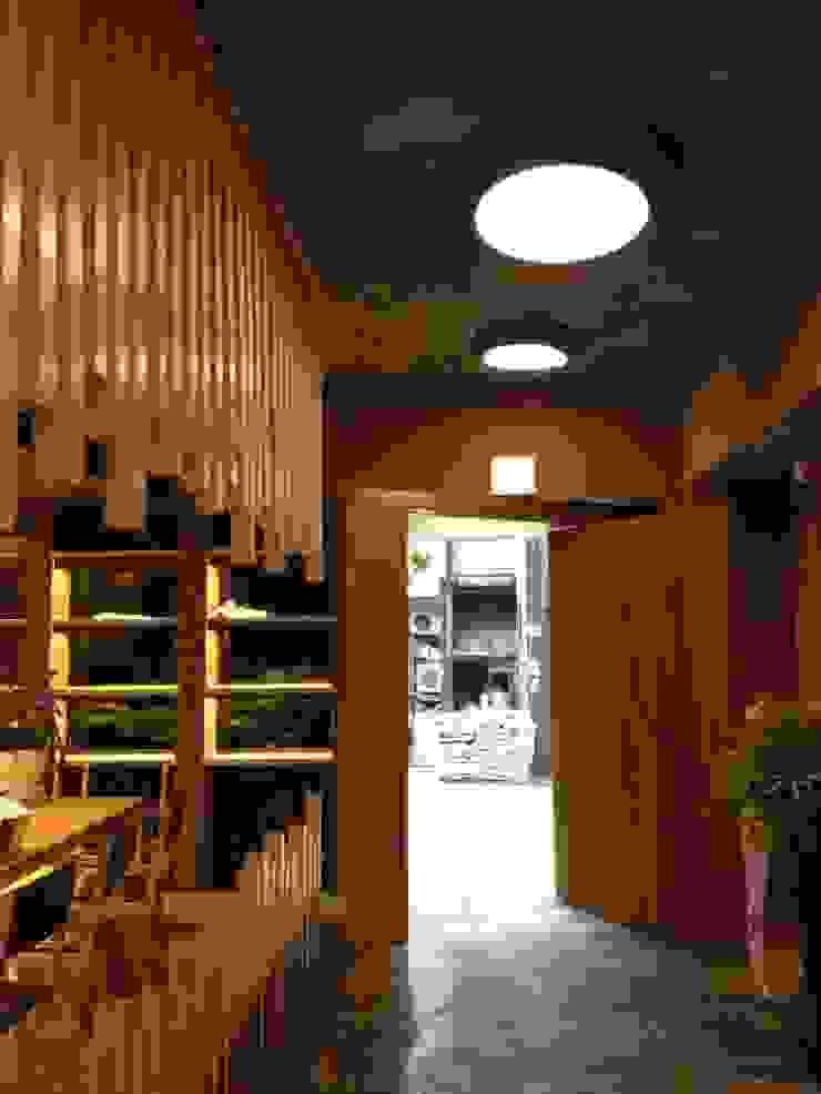 정통일식전문점 스시킨(Sushi KIN) 모던스타일 다이닝 룸 by oldantique design 오직 모양새만 생각하는 사람들 모던 실버 / 골드