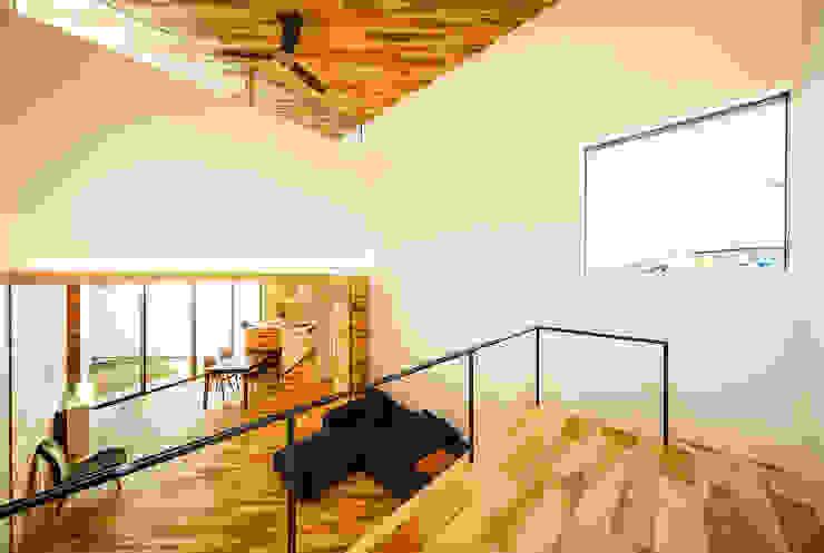 Ruang Keluarga Gaya Skandinavia Oleh 一級建築士事務所haus Skandinavia Kayu Wood effect