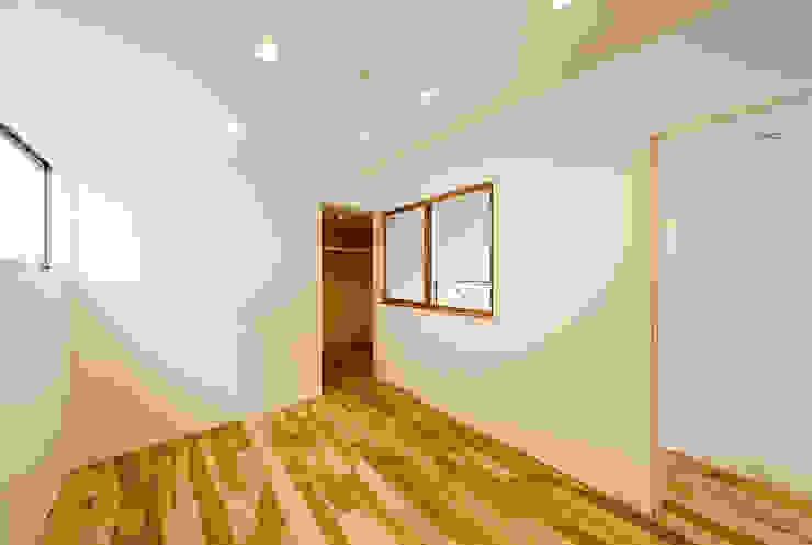 Kamar Tidur Gaya Skandinavia Oleh 一級建築士事務所haus Skandinavia Kayu Wood effect