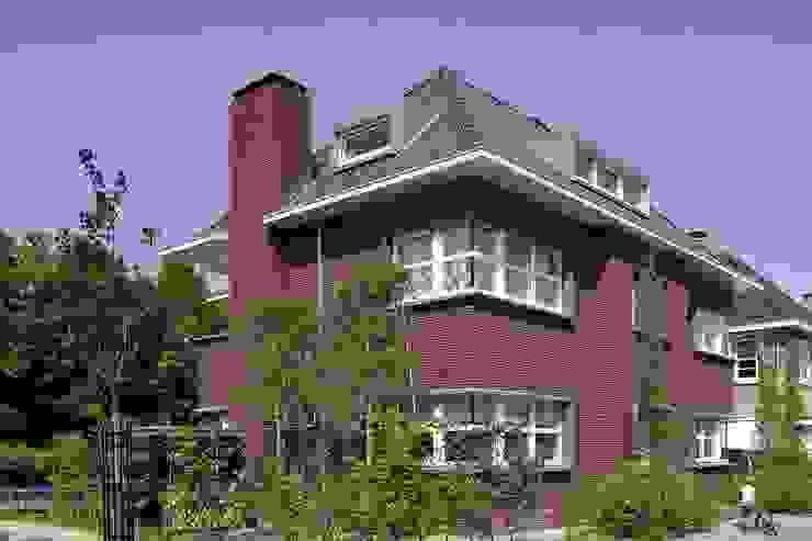 Casas modernas de Hopmanhuis Moderno