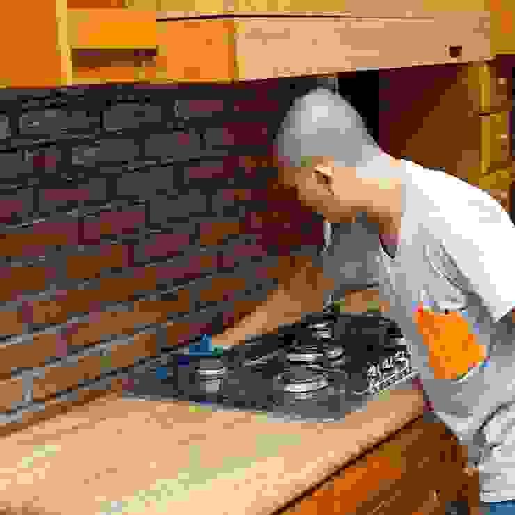 Jasa bersih dapur Dapur Gaya Kolonial Oleh SapuBersih.id Kolonial