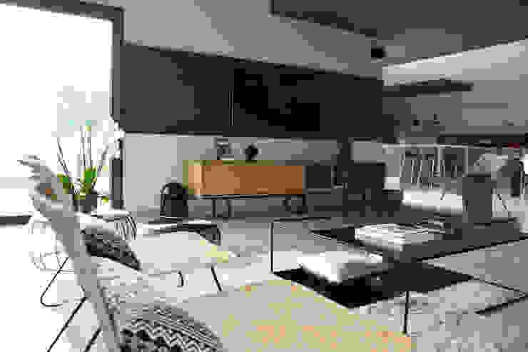 Agence Maïlys MOUTON Moderne Wohnzimmer