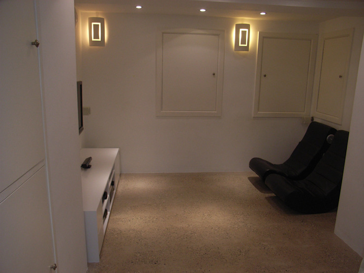 basement conversion by Style Within Modern کنکریٹ