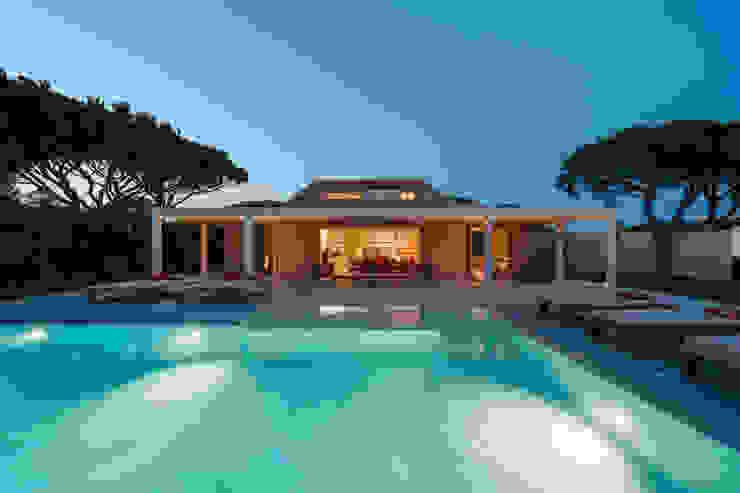 Casas de estilo  por StudioCAN