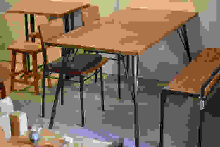 dining table & chair: gleamが手掛けた工業用です。,インダストリアル