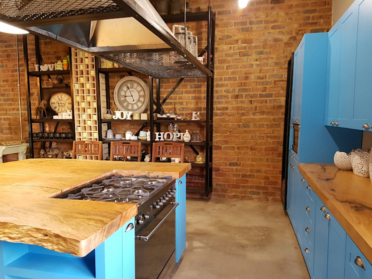 Residential Magaliesburg SA - Industrial Kitchen Industrial style kitchen by HEID Interior Design Industrial MDF