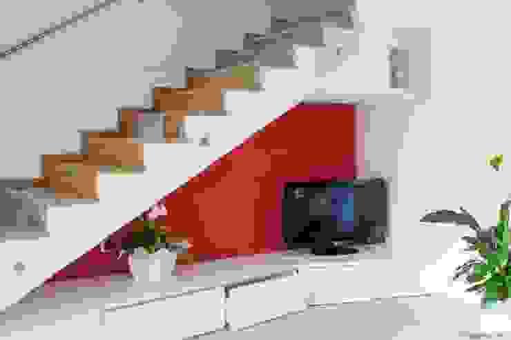 Salon moderne par Marianna Porcellato Porvett Moderne