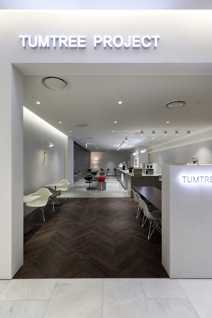 텀트리프로젝트 No.2 ( TUMTREE PROJECT No.2) 미니멀리스트 스타일 바 & 클럽 by SUPER PIE DESIGN STUDIO 미니멀