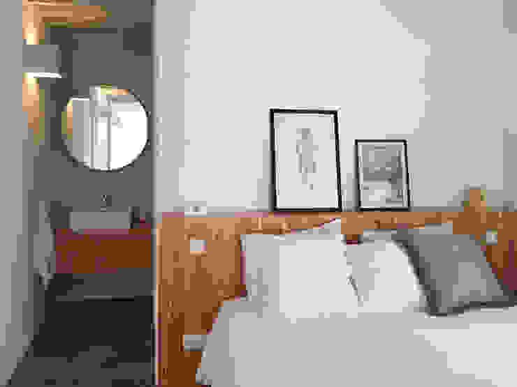 Dormitorios de estilo minimalista de Mezzo Atelier Minimalista Madera Acabado en madera