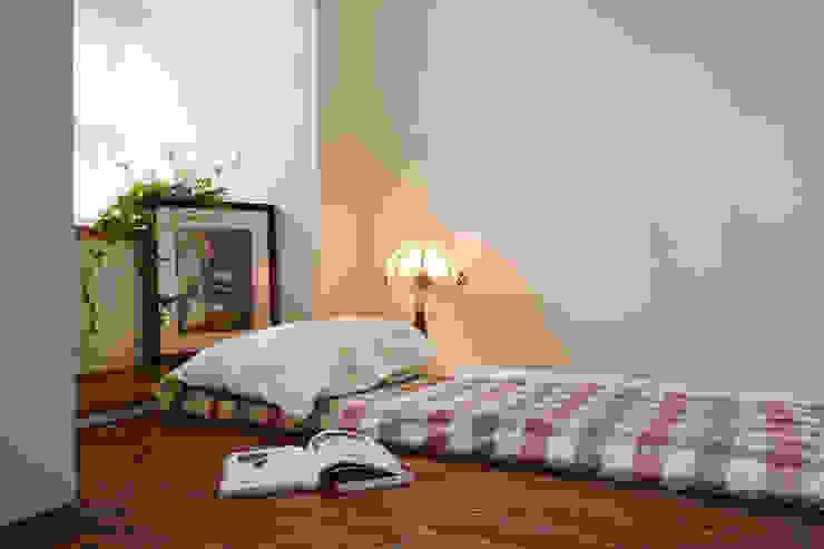Phòng ngủ phong cách đồng quê bởi 弘悅國際室內裝修有限公司 Đồng quê Gỗ Wood effect