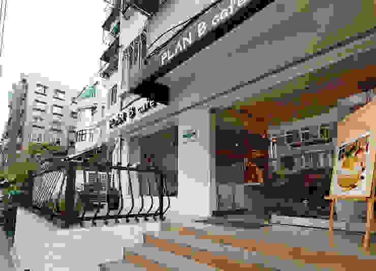 其實維持乾淨可愛的調性並不難 弘悅國際室內裝修有限公司 餐廳 塑膠 Brown