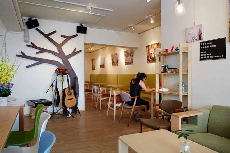 隨手客製的木形式整個店家的精神象徵 弘悅國際室內裝修有限公司 餐廳 MDF Wood effect