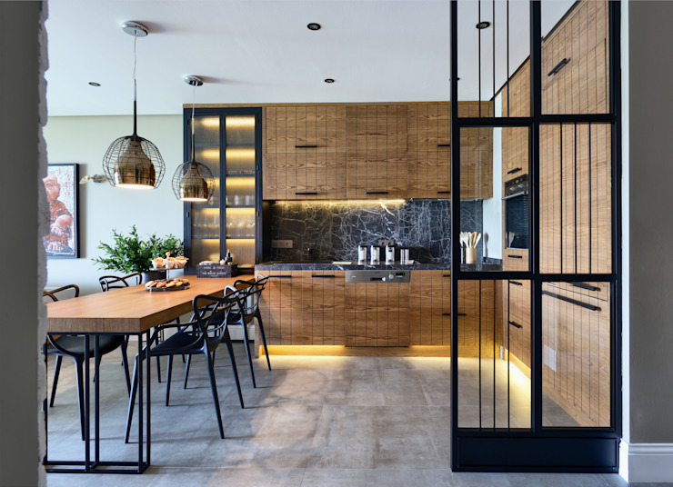 GUNDOGAN SUMMER HOUSE Esra Kazmirci Mimarlik Modern kitchen Black