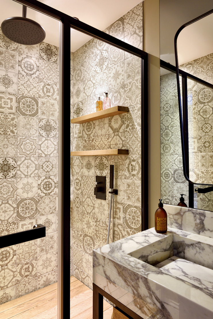 GUNDOGAN SUMMER HOUSE Modern Bathroom by Esra Kazmirci Mimarlik Modern