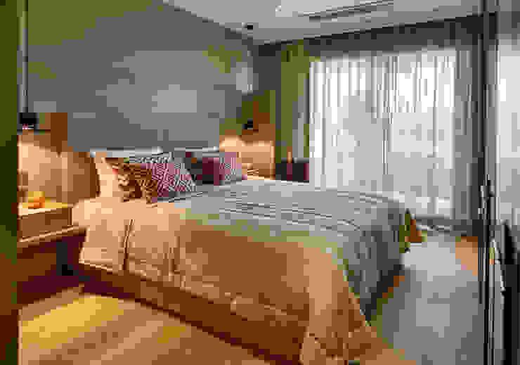 Dormitorios de estilo moderno de Esra Kazmirci Mimarlik Moderno