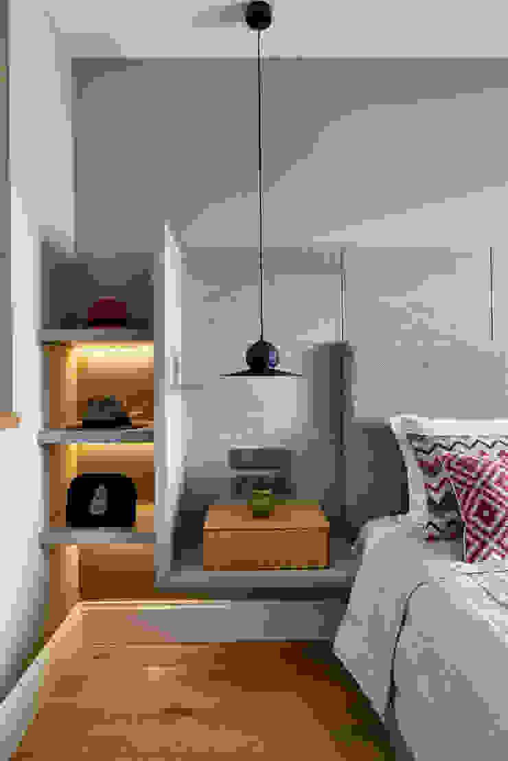 GUNDOGAN SUMMER HOUSE Modern Bedroom by Esra Kazmirci Mimarlik Modern