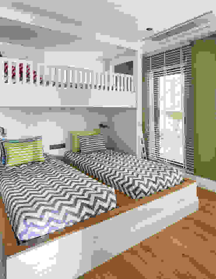 GUNDOGAN SUMMER HOUSE Modern Kid's Room by Esra Kazmirci Mimarlik Modern