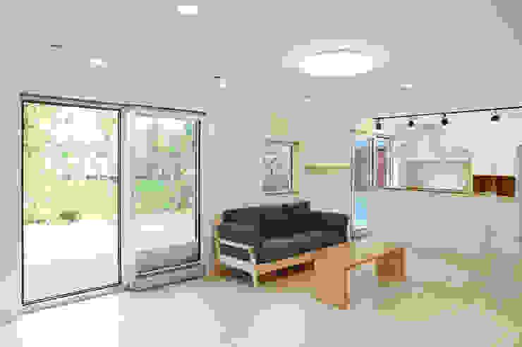 Modern dining room by 위빌종합건설 Modern