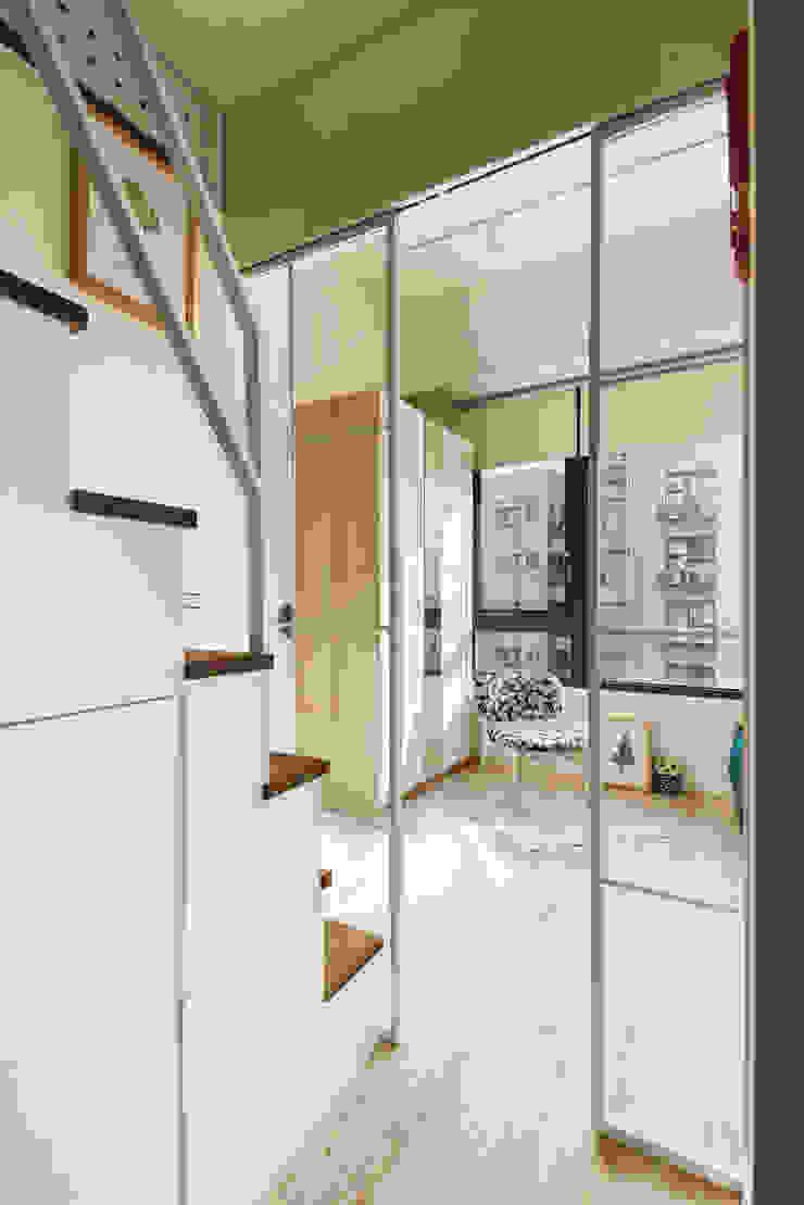 空間的中島核心 一葉藍朵設計家飾所 A Lentil Design 斯堪的納維亞風格的走廊,走廊和樓梯