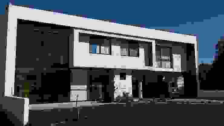 CASA-BR Casas modernas de homify Moderno