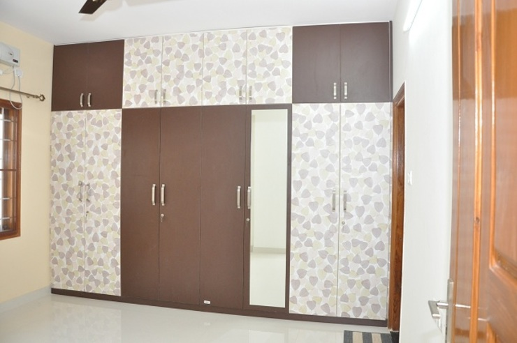 Wooden Cupboard Online Shopping Asian style bedroom by homify Asian Plywood