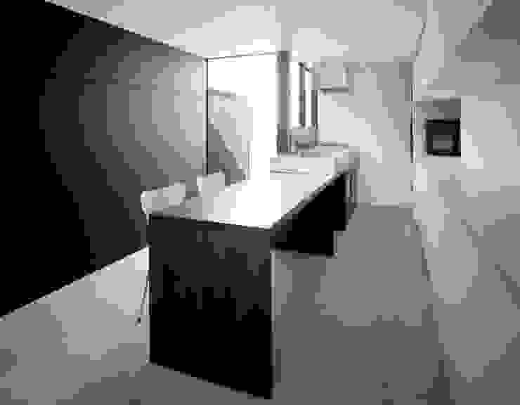 昭和町の家 / House in Showacho モダンな キッチン の 藤原・室 建築設計事務所 モダン