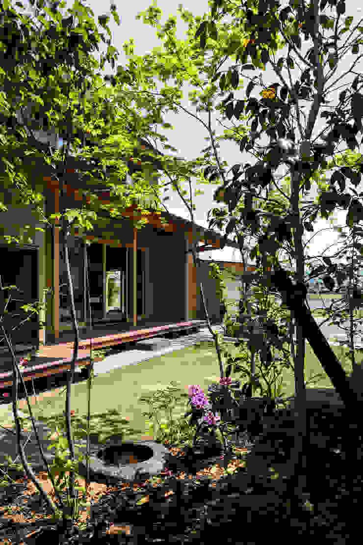 小笠原建築研究室 Modern Garden Wood Green