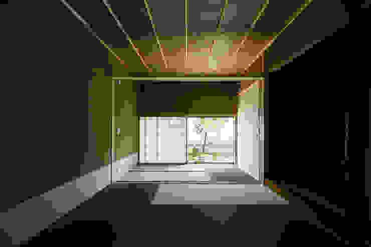 小笠原建築研究室 Media room Solid Wood Beige