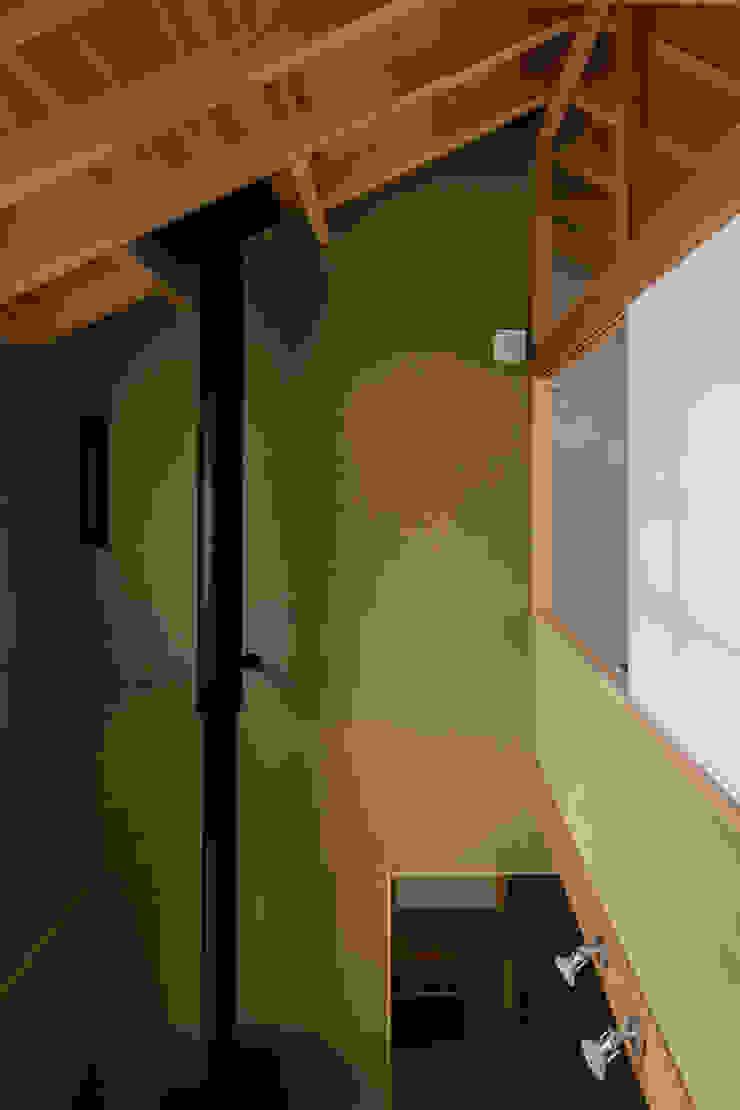 小笠原建築研究室 Walls Solid Wood Beige