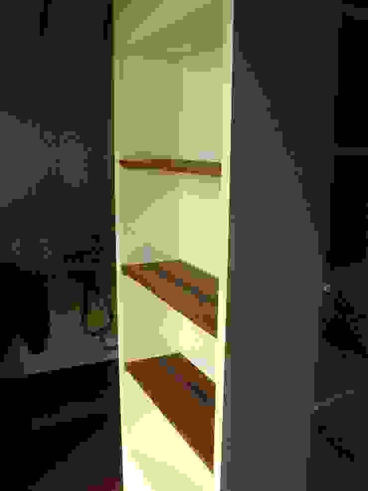 Armario - Librero de Araya-Paillas Arquitectura Integral Moderno Tablero DM