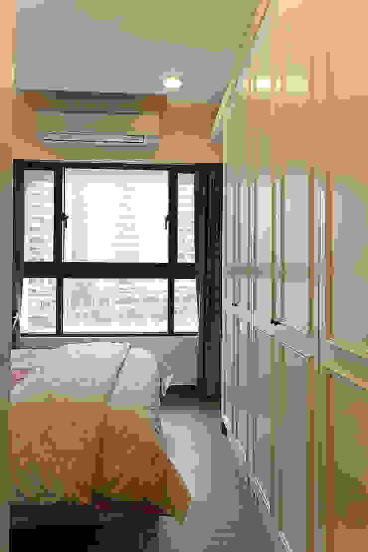 溫馨古典的臥室營造輕鬆休憩的氛圍,讓人一夜好夢 根據 弘悅國際室內裝修有限公司 古典風 木頭 Wood effect