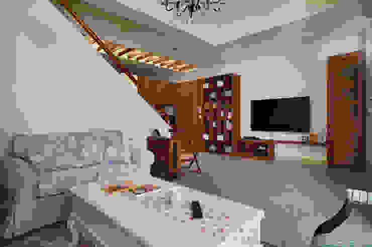 裝載著家人的夢想,大面積的展示空間隨處是可愛溫馨的小物件 根據 弘悅國際室內裝修有限公司 鄉村風 木頭 Wood effect