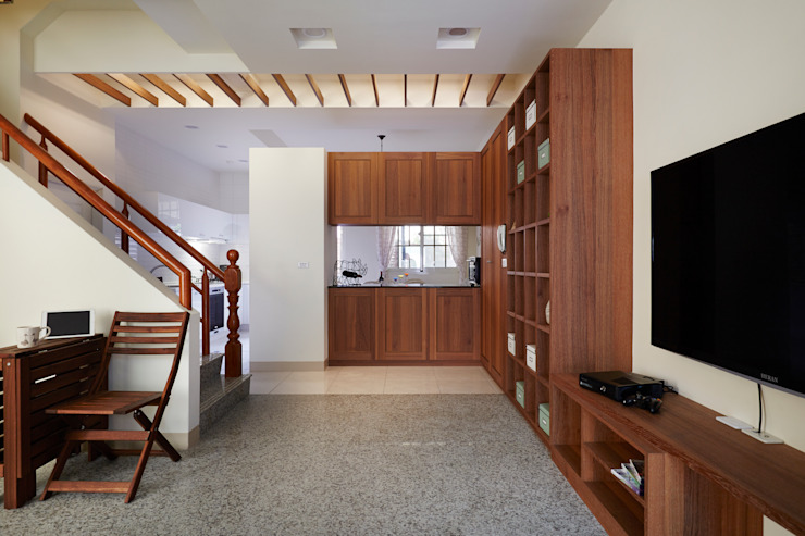 或許開放的大空間是好,但是用餐區能夠區隔起來更是讓人愉快 根據 弘悅國際室內裝修有限公司 鄉村風 木頭 Wood effect