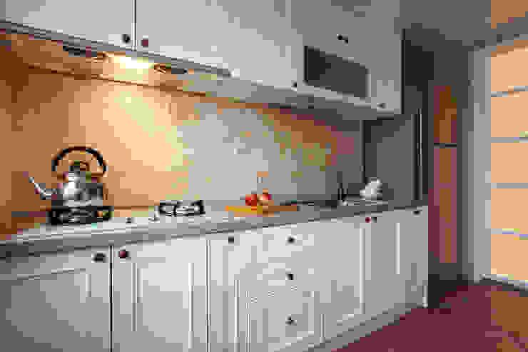 可愛的廚具讓備膳不再是一件苦差事 弘悅國際室內裝修有限公司 廚房 MDF White