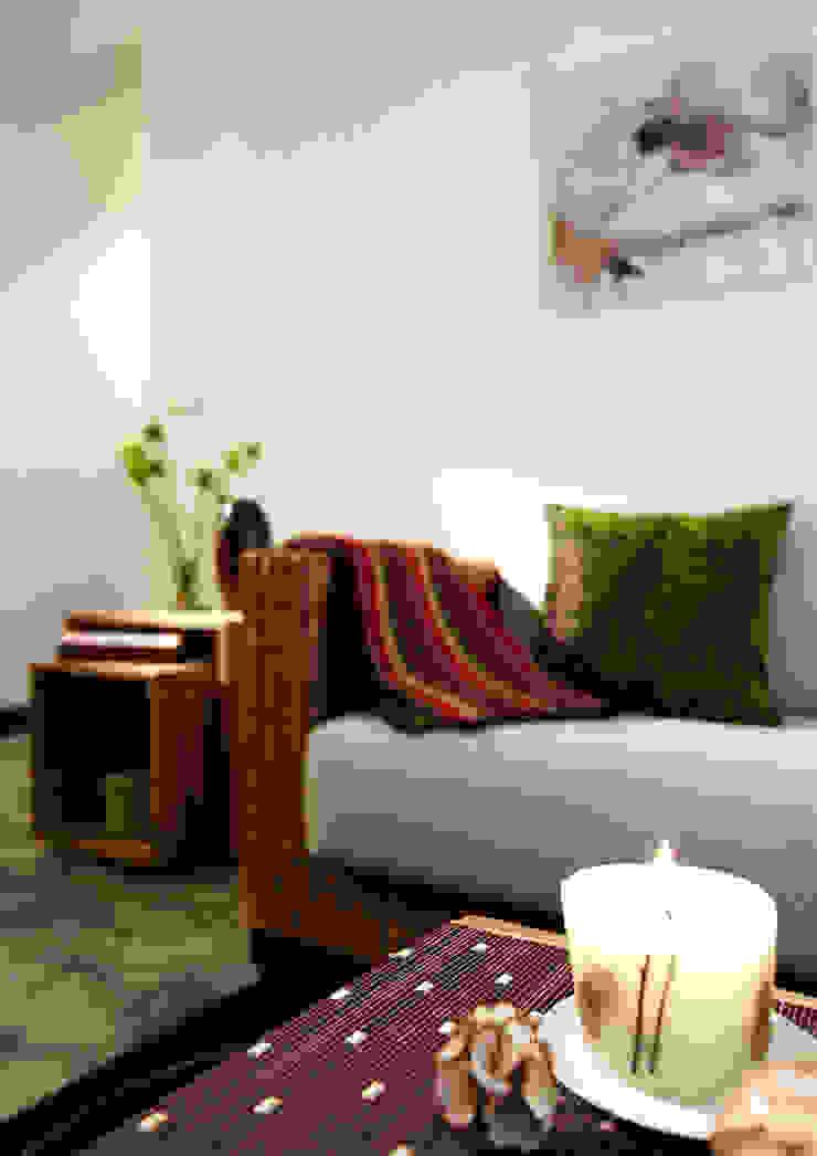 多樣大小的實木箱體組合成隨機使用的多樣變化 根據 弘悅國際室內裝修有限公司 日式風、東方風 實木 Multicolored