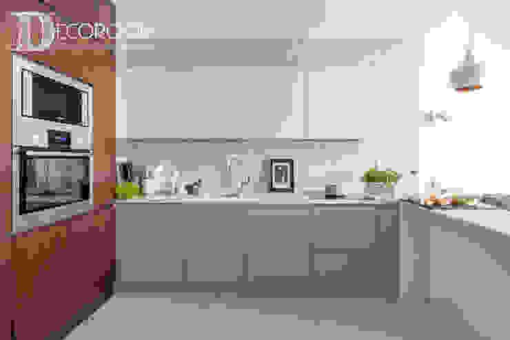 Moderne Küchen von Decoroom Modern