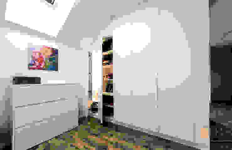 PPHU BOBSTYL Dressing roomStorage MDF White