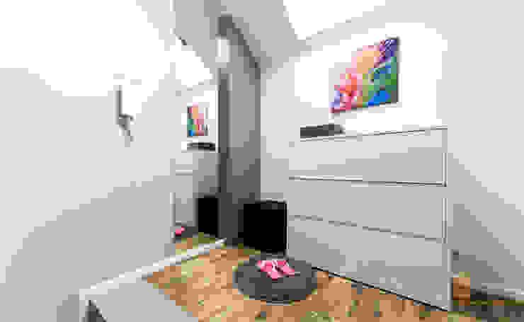 PPHU BOBSTYL Vestíbulos, pasillos y escalerasCómodas y estanterías Tablero DM Blanco