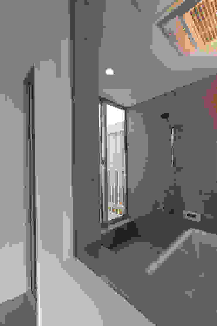 株式会社ココロエ Modern bathroom