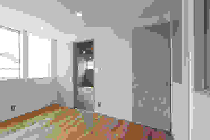 株式会社ココロエ Modern nursery/kids room
