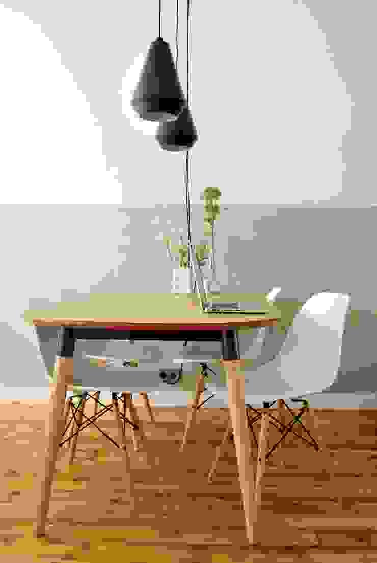 Woonkamer met leefkeuken Moderne eetkamers van Atelier Perspective Interieurarchitectuur Modern