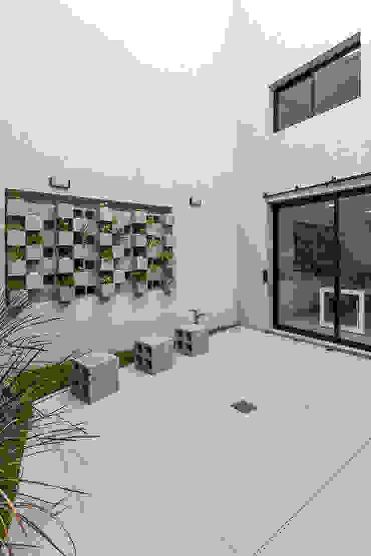 Taman Modern Oleh Garnerone + Ramos Arq. Modern