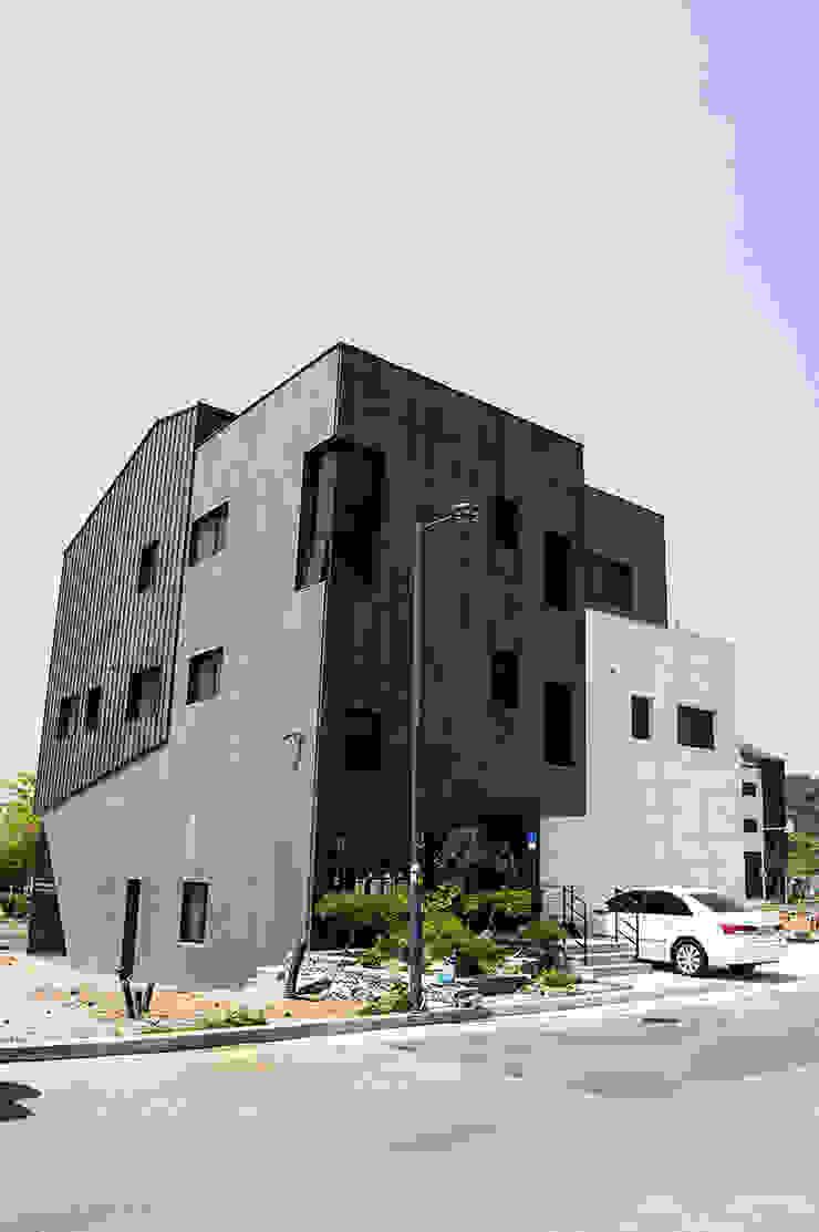 더 테라스3_울산 중구 약사동 413-21 상가주택 모던스타일 주택 by AAG architecten 모던