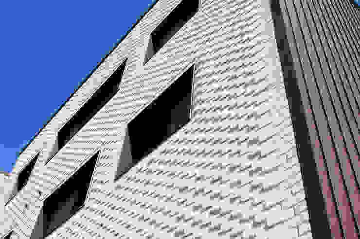 플라츠_울산시 중구 유곡동 470-1 상가주택 모던스타일 주택 by AAG architecten 모던
