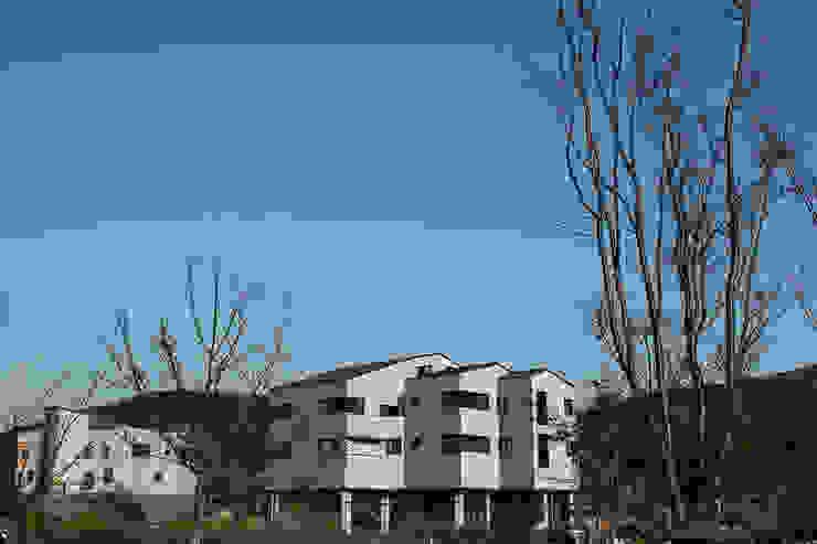 결무리집_인천시 중구 운서동 3047-10 상가주택 모던스타일 주택 by AAG architecten 모던