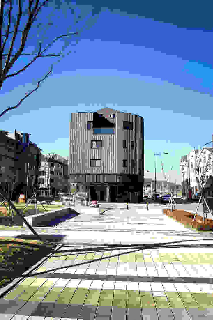 코너스케이프_화성시 동탄면 동탄일반산업단지 112-5 상가주택 by AAG architecten