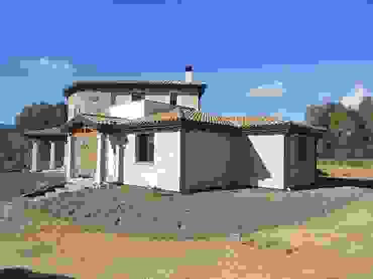 Casas de estilo mediterráneo de SOGEDI costruzioni Mediterráneo